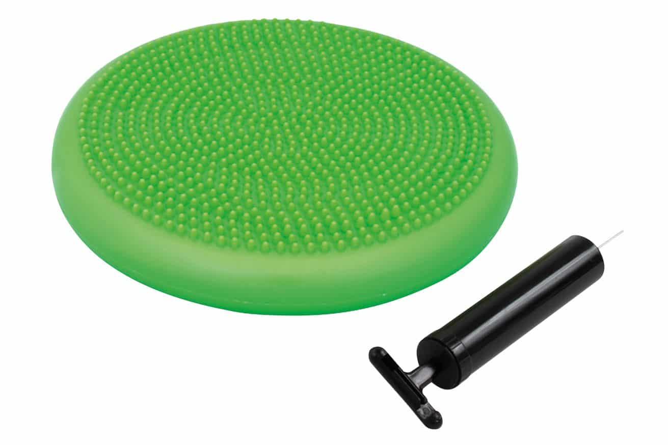 """<h3>Balance Kissen</h3><p> """"Balance Kissen, inkl. Handpumpe""""      Balance-Kissen aus PVC mit speziell geformten Noppen.     Massagenoppen erhöhen die Körperwarnehmung und sind auch zur Fußmassage geeignet.     <p>Zur Steigerung der Balance, Koordination, Kraft und Durchblutung. Belastung: 120kg<p>Rundes, aufblasbares Balance-Kissen aus PVC mit Massagenoppen, inklusive Minipumpe. <p>Durchmesser 33cm, phthalatefrei, max. 120kg. </p>"""